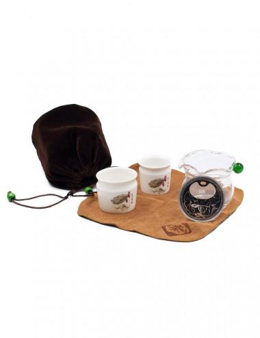 Set da tè con un astuccio in velluto marrone scuro e canovaccio abbinato - La Pianta del Tè Acquista online